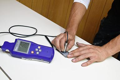 膜厚測定検査の様子